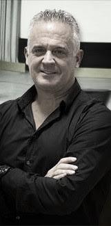 Dimecres 18 Abril:  Claus del guió dèxit amb Paul Brown