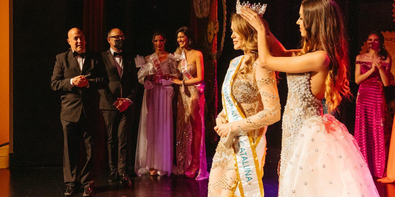 HELENA   JIMENEZ   viaja  al   MISS INTERNACIONAL españa  2021, certamen  realizado por  nuestra belleza españa